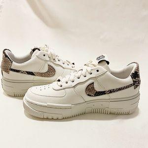 Nike Air Force 1 SE sneakers (snake print)